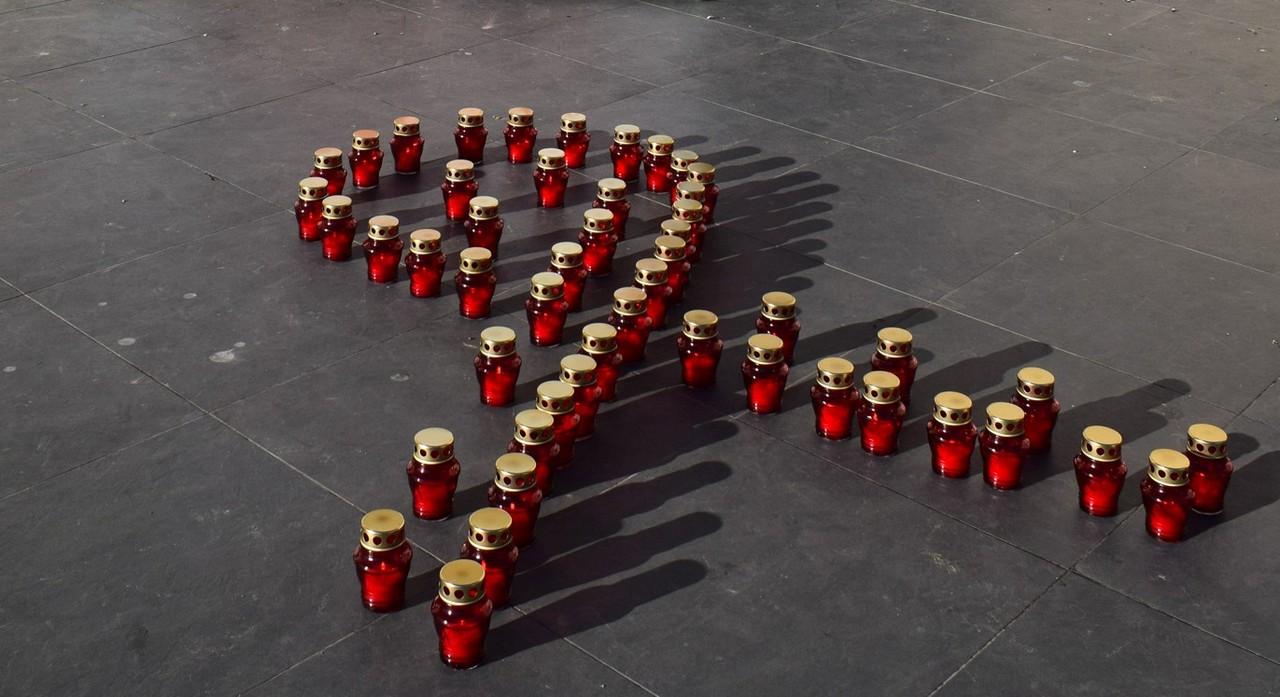 В Ужгороді провели акцію, щоб привернути увагу до смертельної хвороби – СНІДу