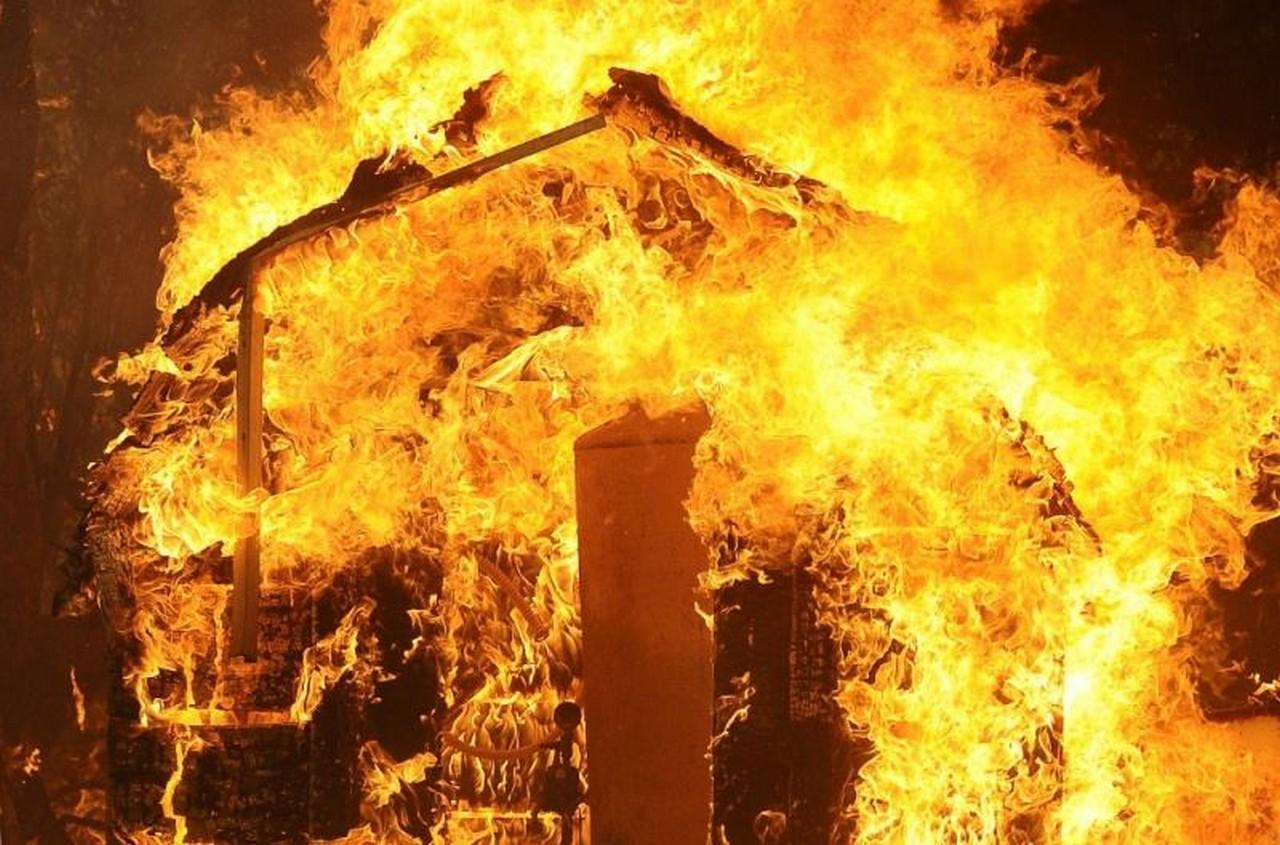Вогонь знищив дерев'яний будинок у селі Обава, що на Мукачівщині