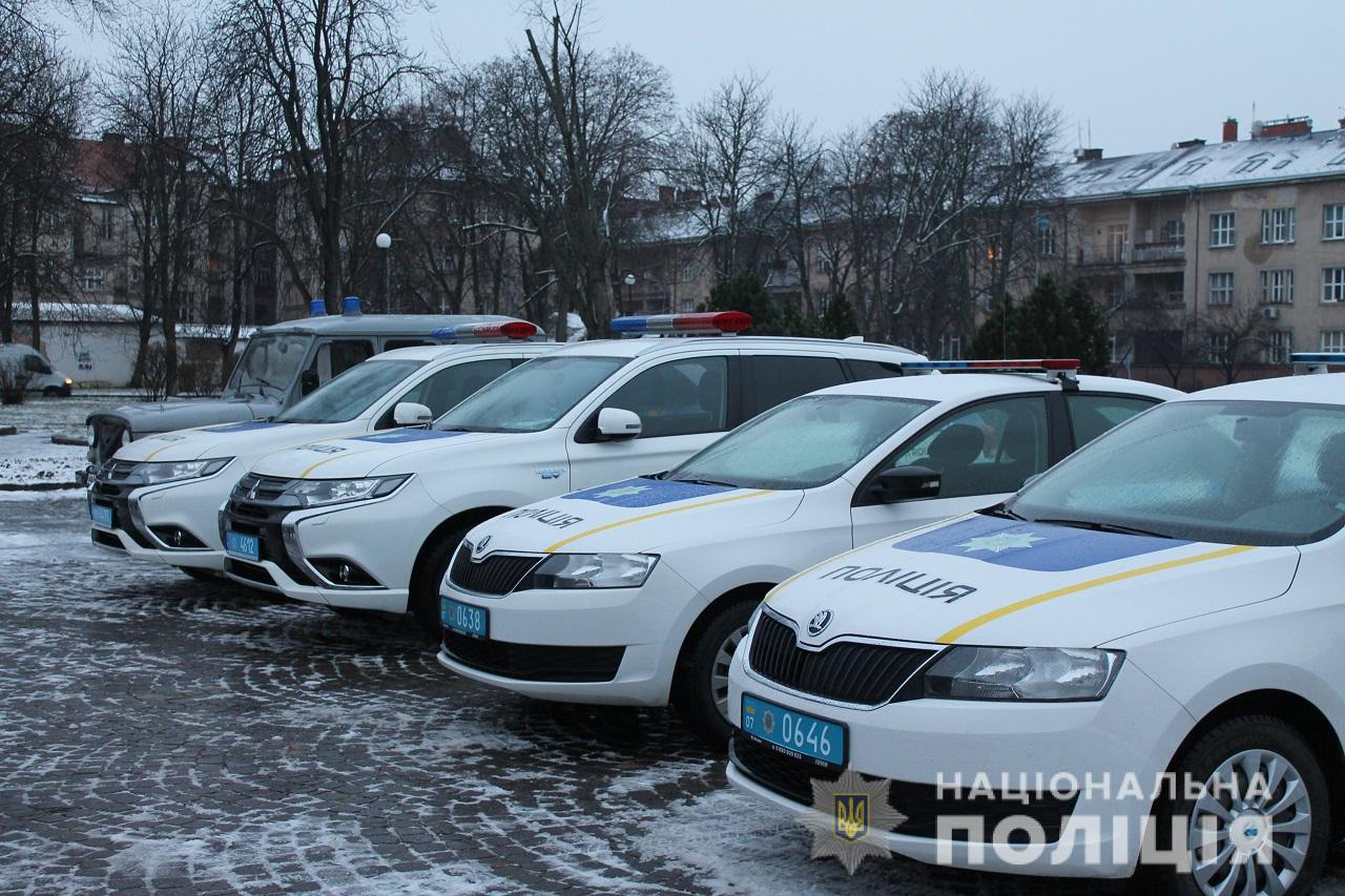 Поліцейські почали працювати у посиленому режимі, щоб не допустити правопорушень у період новорічно-різдвяних свят
