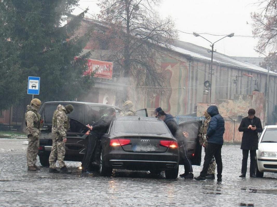 У Мукачеві 8 грудня затримали групу наркоділків: офіційні подробиці від поліції