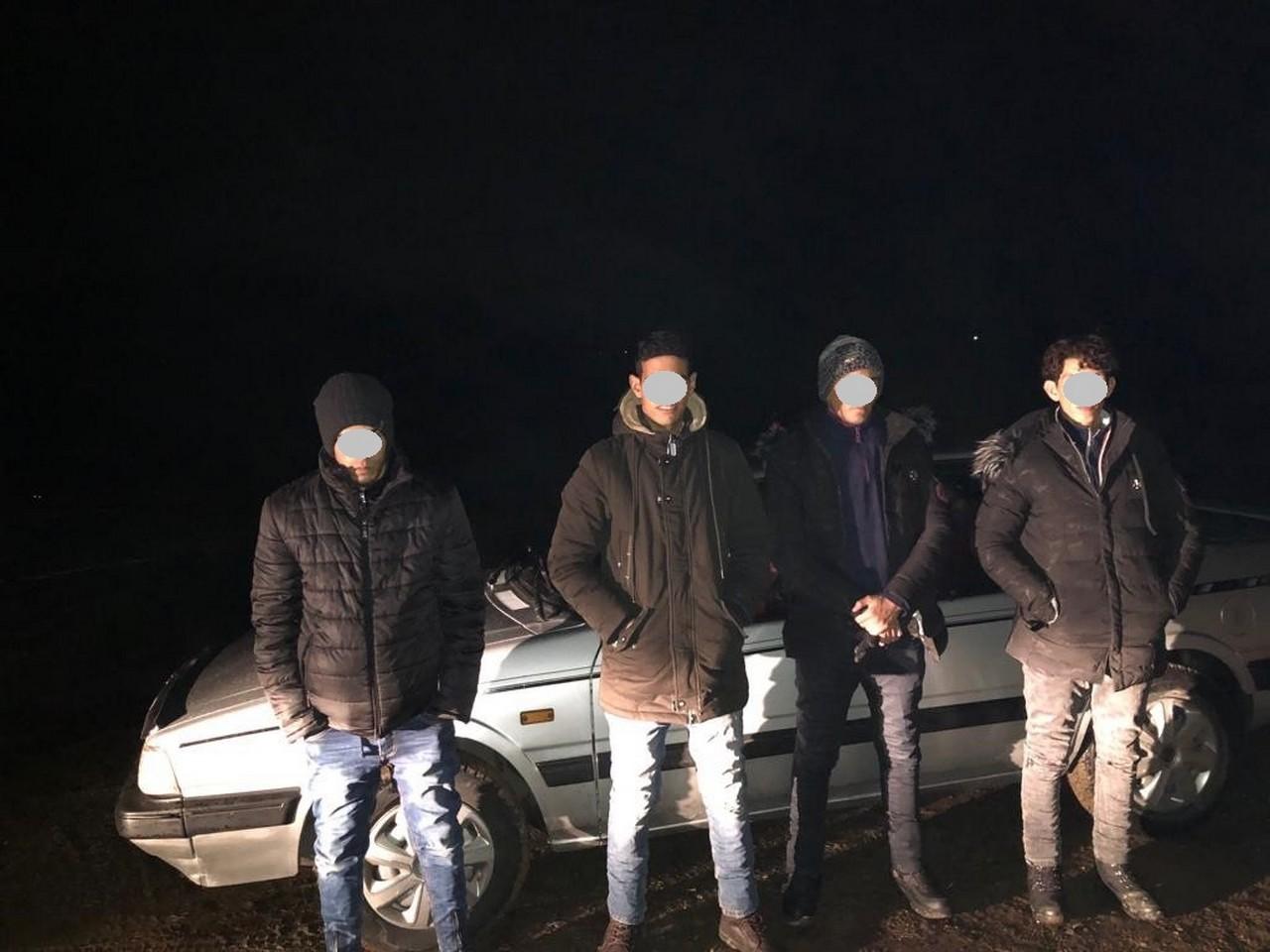 Переховувалися у лісі: прикордонники розповіли, як затримали на Ужгородщині нелегалів із Марокко