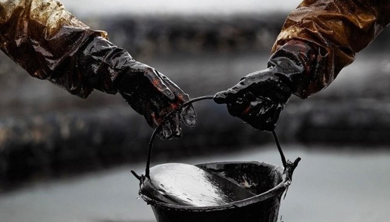 У селі Руське, що в Мукачівському районі, сьогодні стався вилив нафти