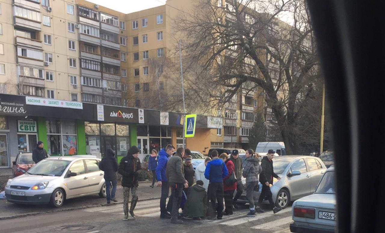 """Видання """"Prozak"""" повідомляє про те, що в Ужгороді на пішохідному переході збили жінку"""