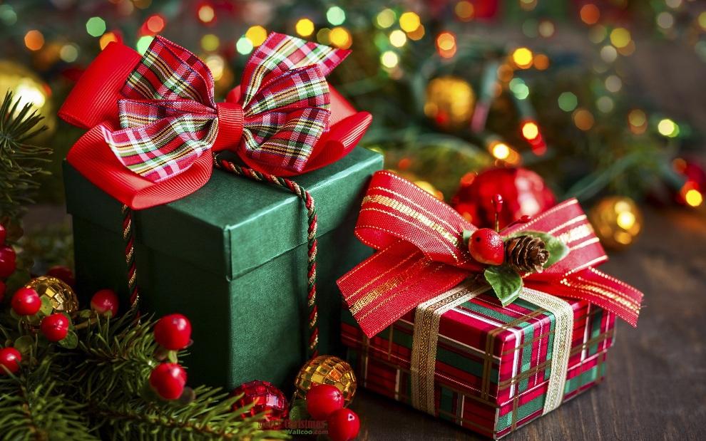 Податок за новорічні подарнки: роз'яснення скільки платити