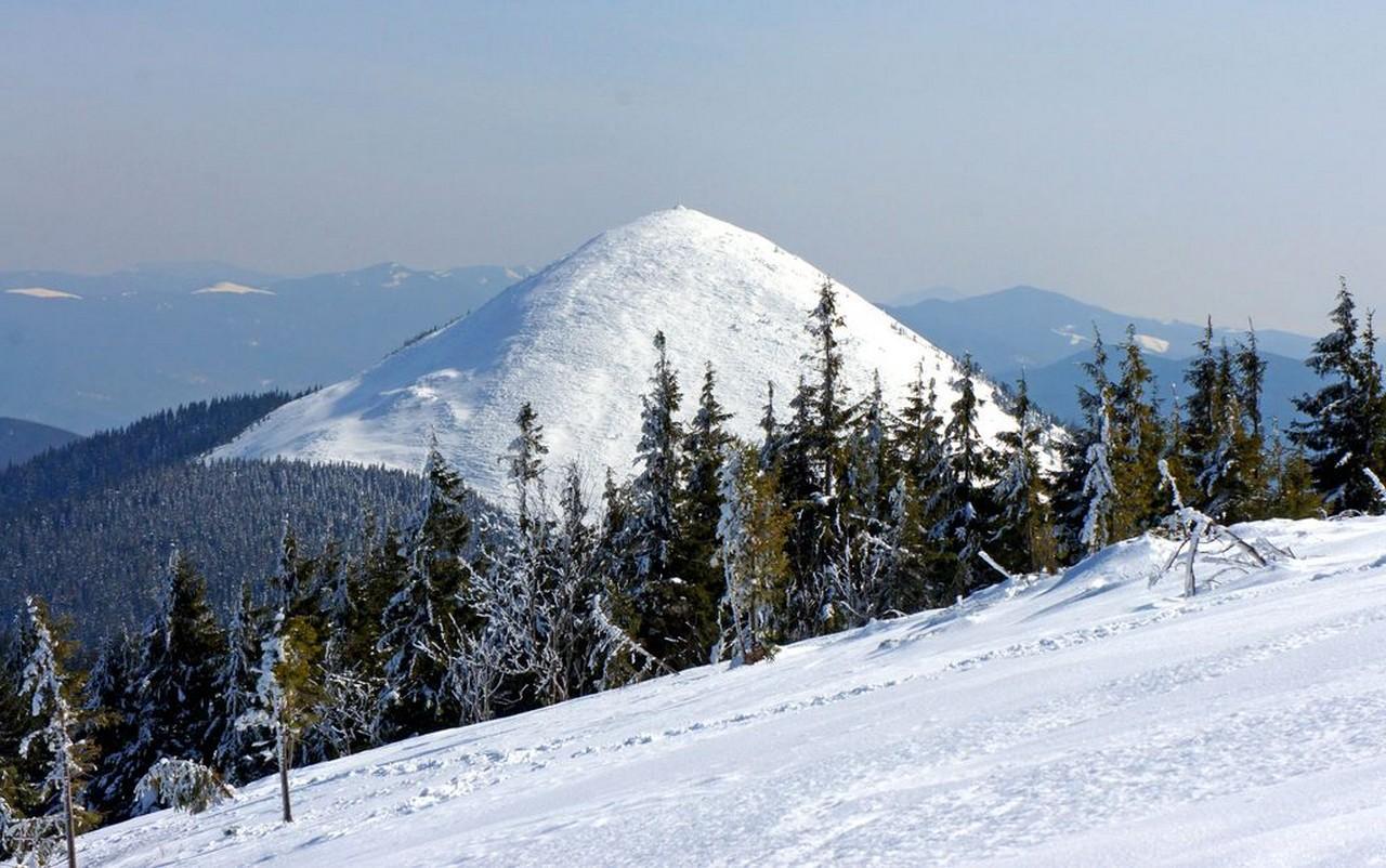 Синоптики попереджають про циклон 15-17 грудні: гори Закарпаття і Прикарпаття замете снігом