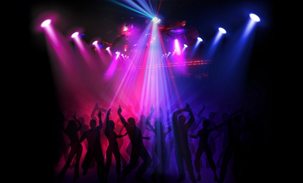 """Цієї ночі в Ужгороді """"замінували"""" популярний нічний клуб"""