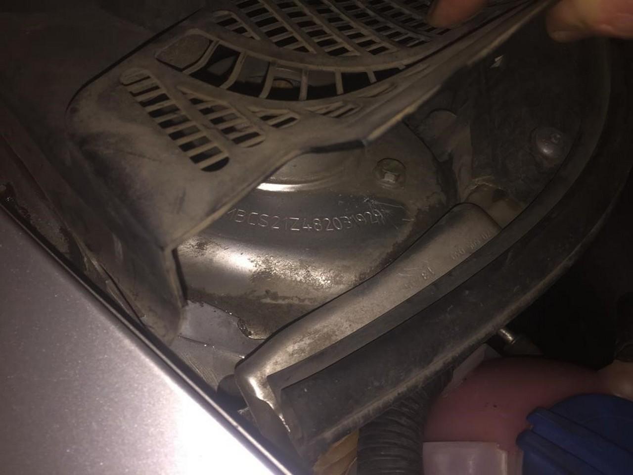 На Закарпатті прикордонники затримали легковик із перебитим номером кузова