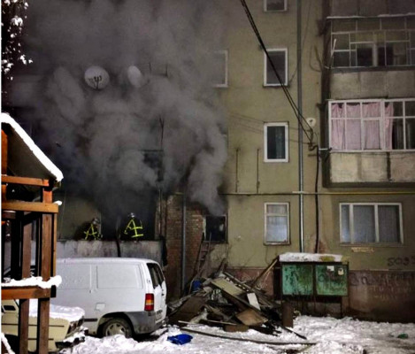 Пожежа у п'ятиповерхівці: з будинку евакуювали людей