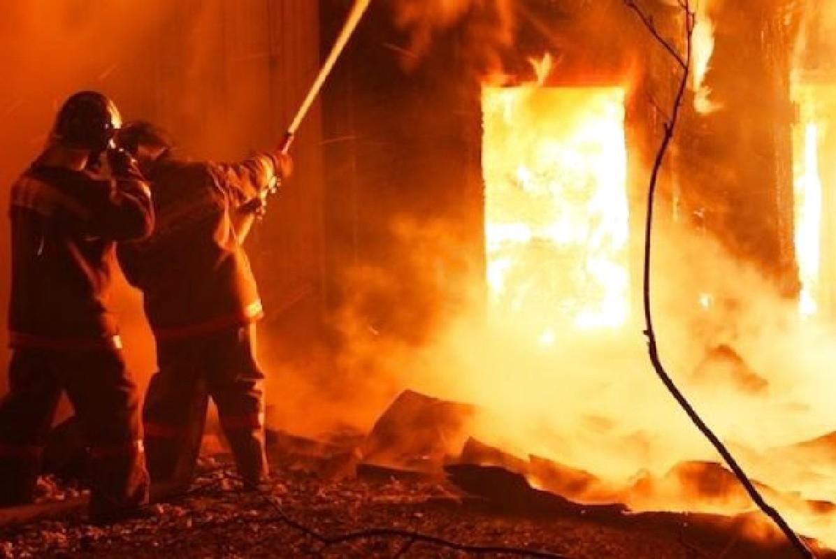 У День святого Миколая на Міжгірщині горіли два приватні будинки