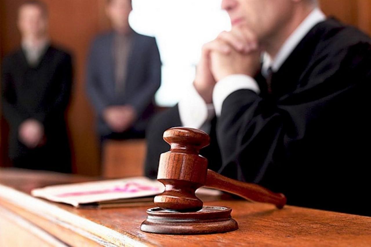 Петро Порошенко призначив двох суддів Закарпатського окружного адміністративного суду