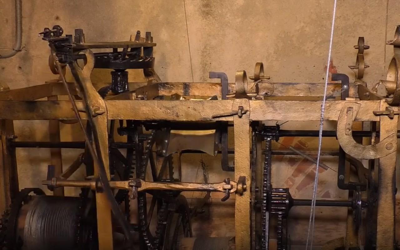 У соборі святого Мартіна, що в Мукачеві, є один із найстаріших годинникових механізмів в Україні