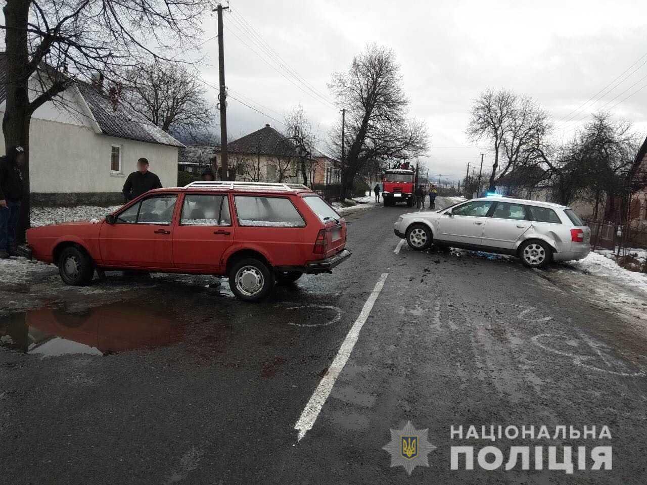 Хмільна ДТП на Закарпатті: на дорозі не розминулися два автомобілі – Volkswagen Pаssаt і Аudі