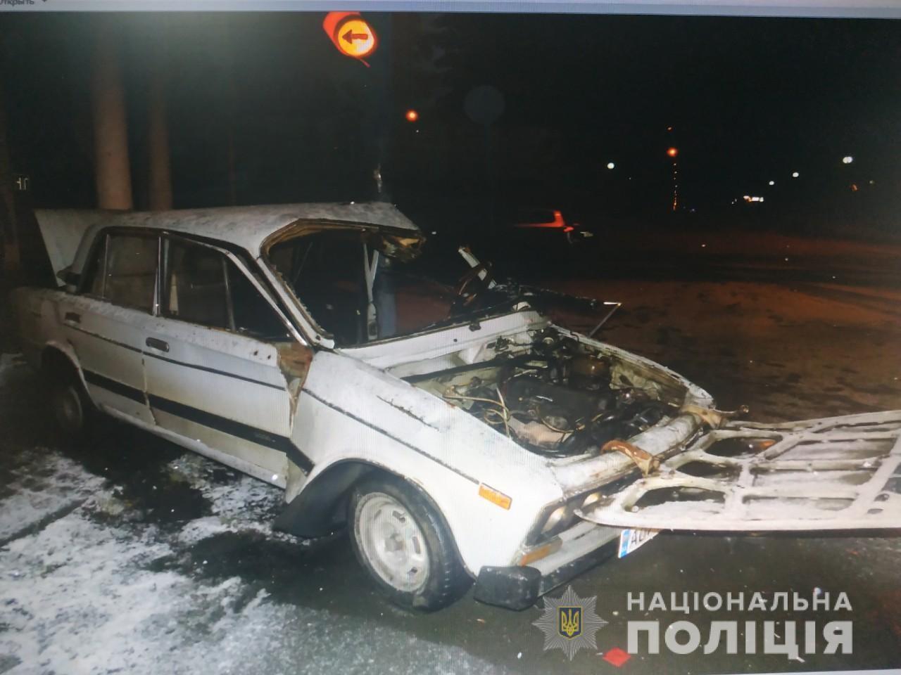 Авто їхало на чималій швидкості: подробиці нічної ДТП в Ужгороді