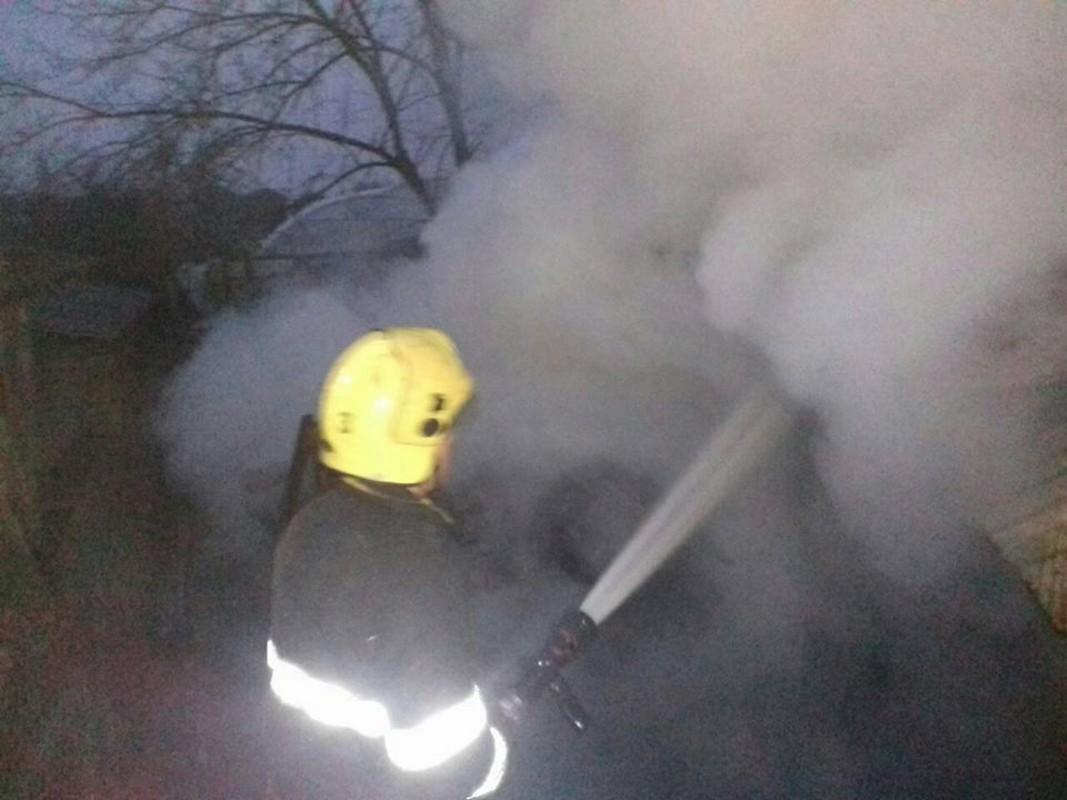 У Виноградівському районі  сталася масштабна пожежа: молодий чоловік опинився у лікарні