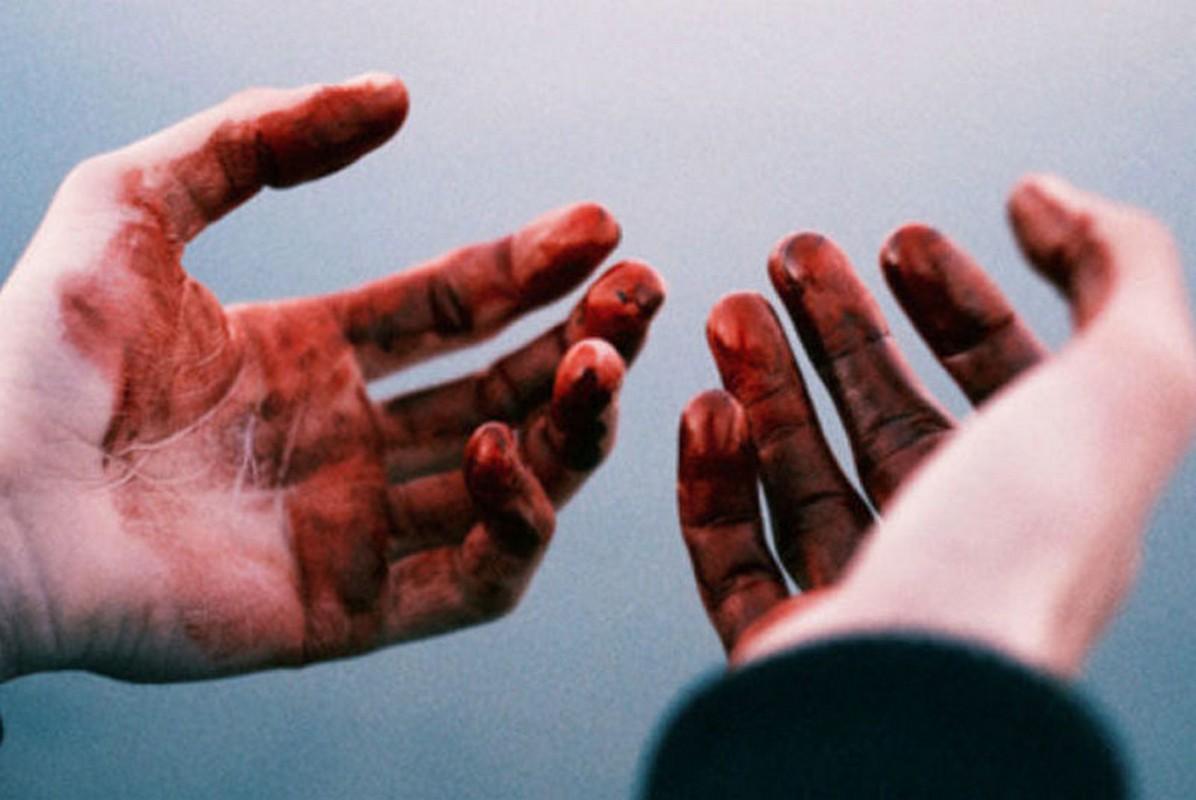 Жорстоке вбивство через ревнощі: на Закарпатті жінка завдала чоловіку понад 40 ударів