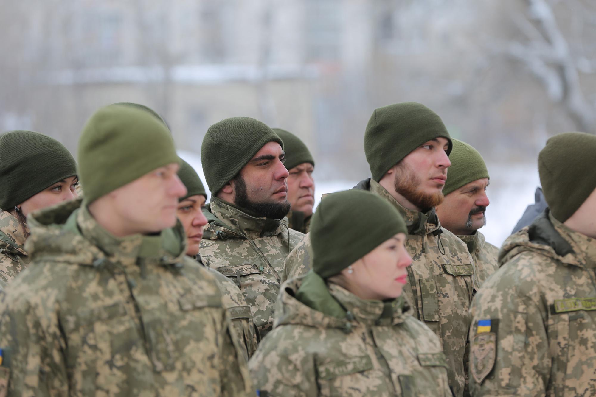 З Нового 2019 року українським військовим значно підвищать зарплату