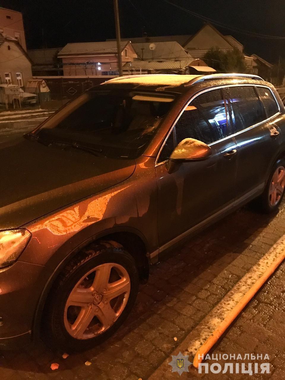 """Ужгородець на """"Volkswagen Touareg"""" наробив біди в Оноківцях"""