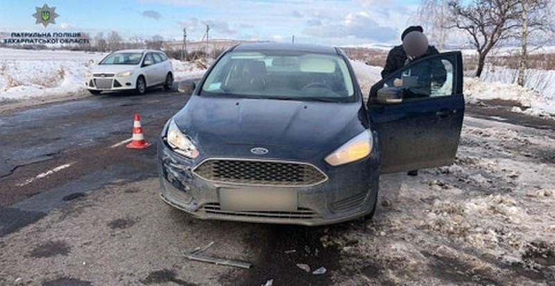 Біля села Мідяниця сталася ДТП: зіткнулися Ford Focus та Skoda Octavia