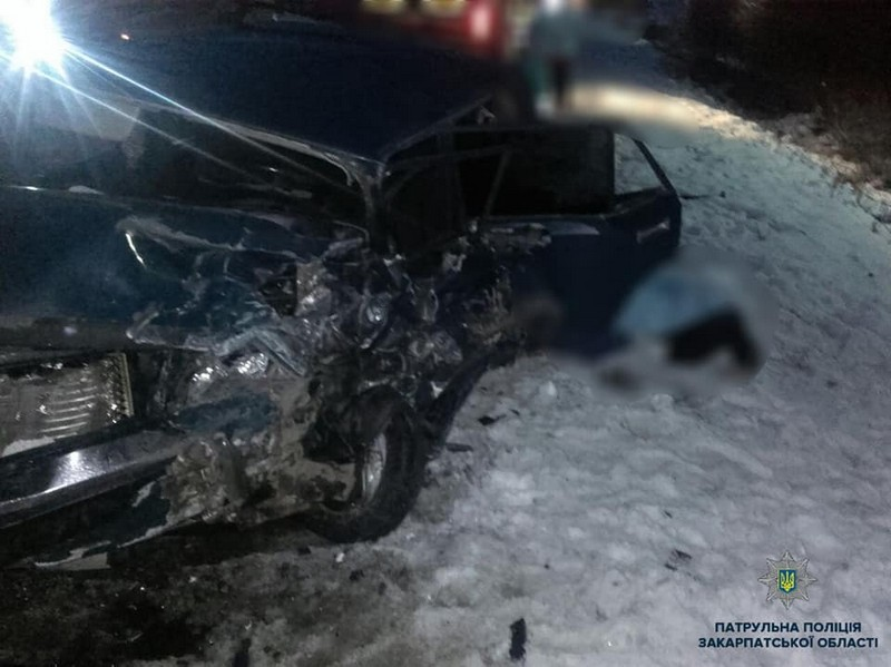 Фатальна ДТП біля Мукачева: двоє дорослих загинули, дитина – у лікарні