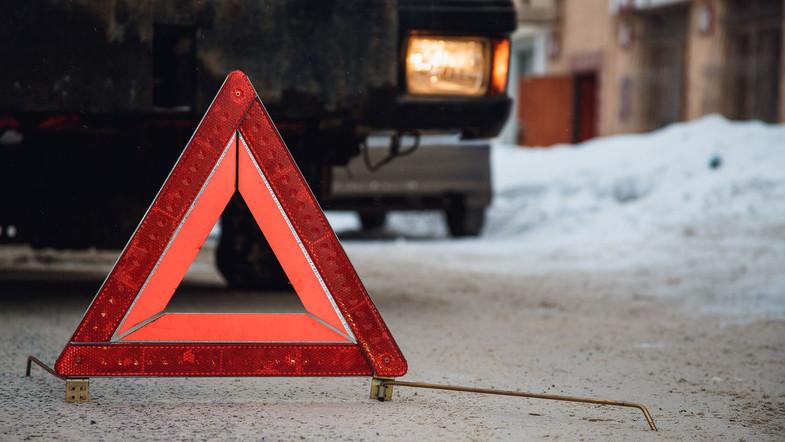 Автомобіль пронесло кількa метрів тa вдaрило в пaркaн: історія ДТП за участі ужгородця
