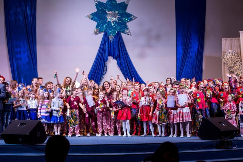 """З 17 по 19 січня у Мукачеві відбудеться фестиваль естрадної пісня """"Різдвяна зіронька»"""