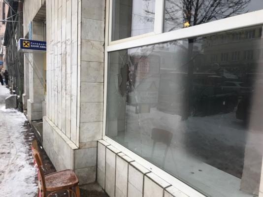 У центрі Мукачева вандали наробили біди
