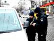 Водіїв можуть зобов'язати передавати документи до рук патрульної поліції, а не показувати, як зараз