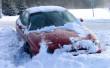 На дорогах області у снігову пастку потрапило 25 машин