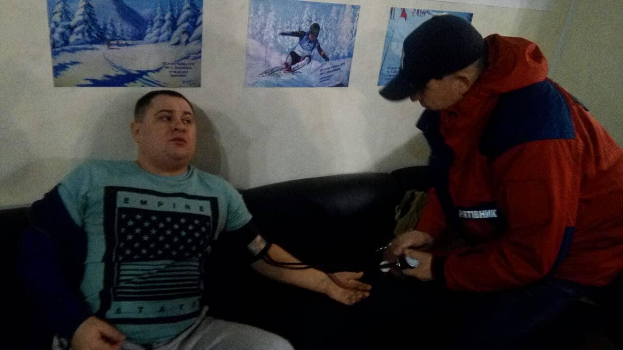 На Драгобраті туристу із Києва стало зле після катання на лижах