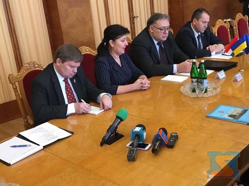В Ужгород із робочим візитом приїхав посол Угорщини в Україні Іштван Ійдярто