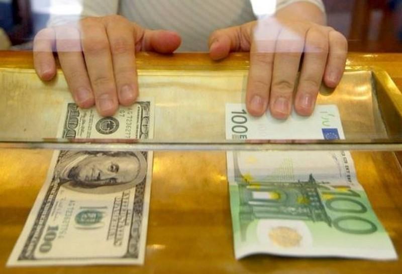 Курс валют на 24 січня: євро та долар суттєво впали