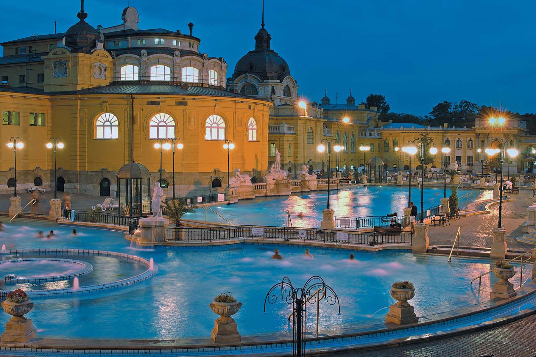 Термальні басейни Угорщини: відпочинок у Будапешті, Хайдусобосло, Дебрецені, Ніредьгазі