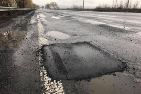 Підприємство, яке ремонтувало дорогу Торунь-Лопушне, розікрало майже 340 тисяч гривень бюджетних коштів