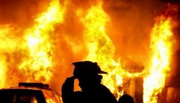 Рятувальники розповіли про масштабну пожежу у магазині в селі Чорнотисово