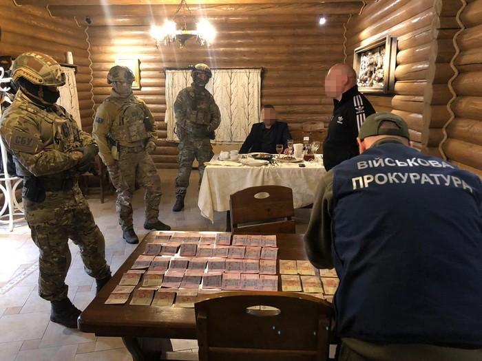 У ресторані поблизу Ужгорода затримали зловмисника