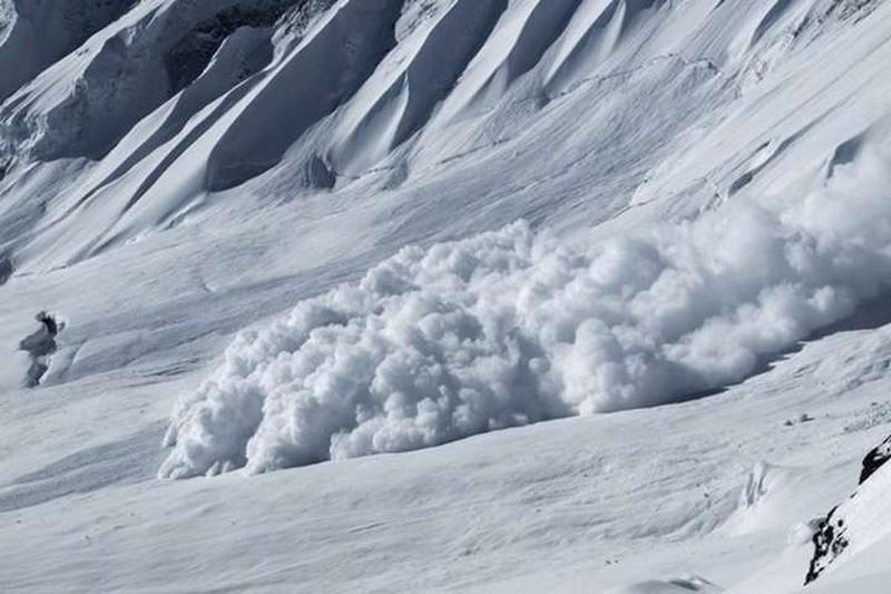У горах  Карпатах досі лавинонебезпечно