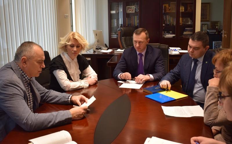 У школах Ужгорода через ГРВІ сьогодні продовжили карантин