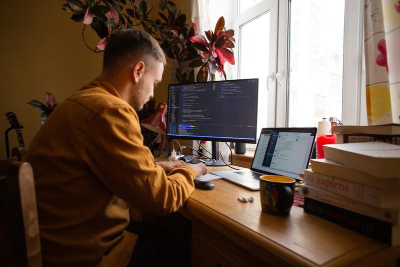 Українець Богдан Половко поїхав у США працювати будівельником, а став програмістом у компанії Apple