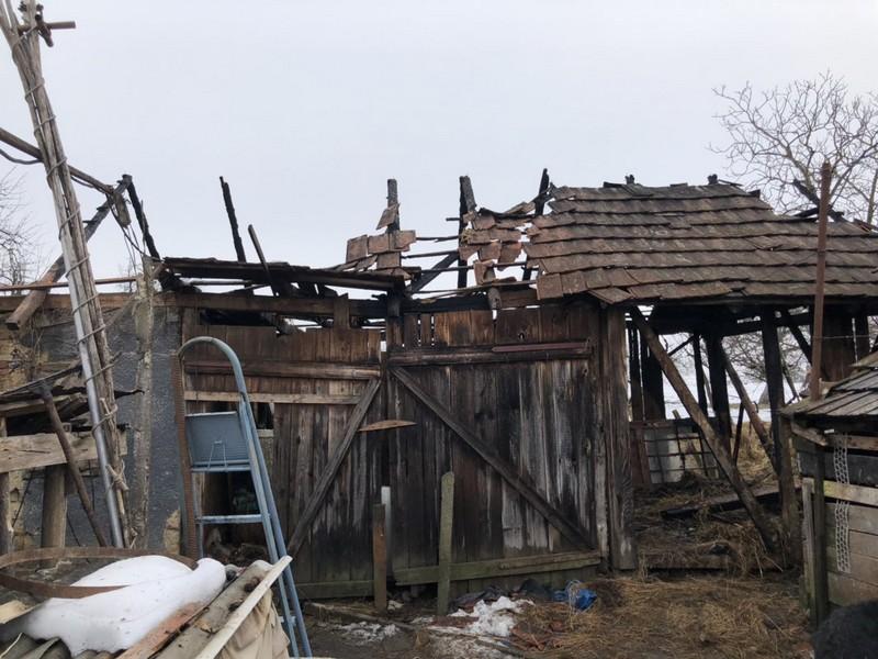 У селі Дубрівка, що на Ужгородщині, вогнеборці ліквідували пожежу