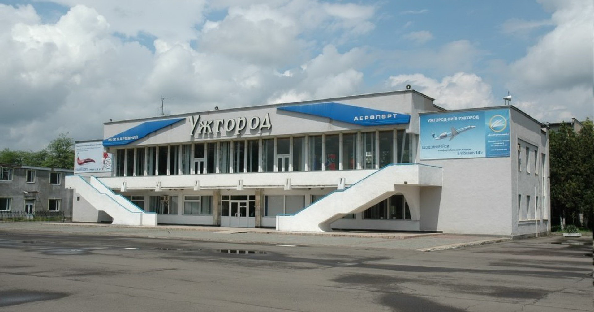 Міністр інфраструктури Володимир Омелян розповів, коли відновиться авіасполучення між Ужгородом та Києвом
