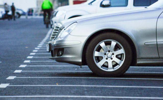 У Мукачеві не вистачає паркувальних місць. Водіям ніде залишити автомобіль