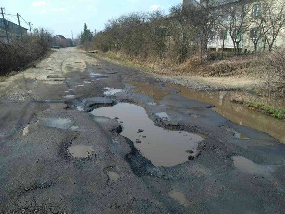 На ремонт доріг Закарпаття цьогоріч виділять рекордні 600 мільйонів гривень
