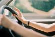 У Мукачеві жінка-водій накоїла біди. Наразі її розшукують