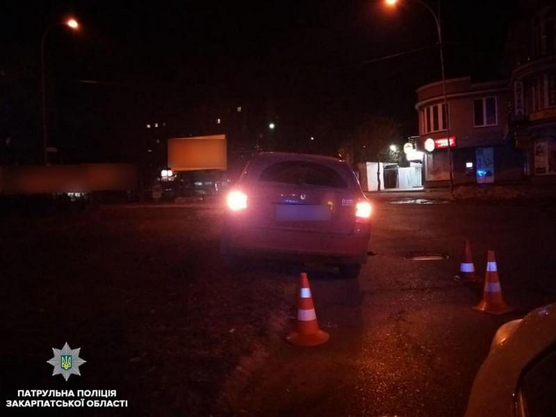 П'яна жінка скоїла ДТП в Ужгороді на вулиці Берчені