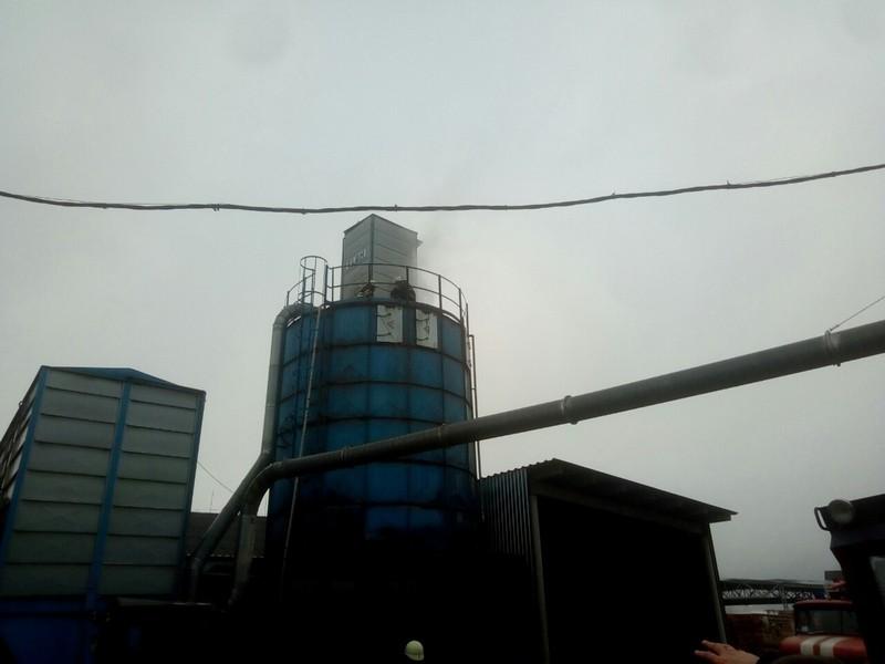 На одному з підприємств у Великому Березному, яке розташоване по вулиці Заводській, спалахнула пожежа.