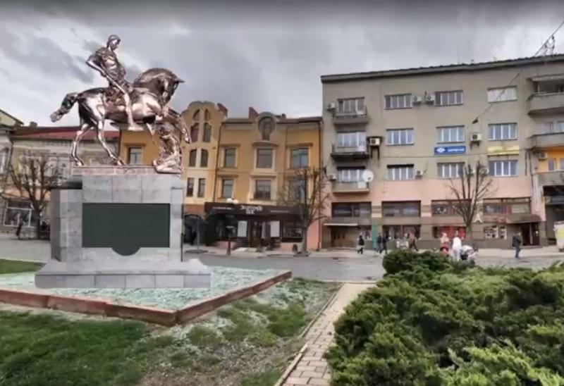 У центрі Мукачева встановлюють пам'ятник покровителю міста – Святому Мартину