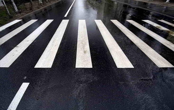 У Львівській області чоловік із Мукачева наїхав на двох людей на пішохідному переході. Один із них помер