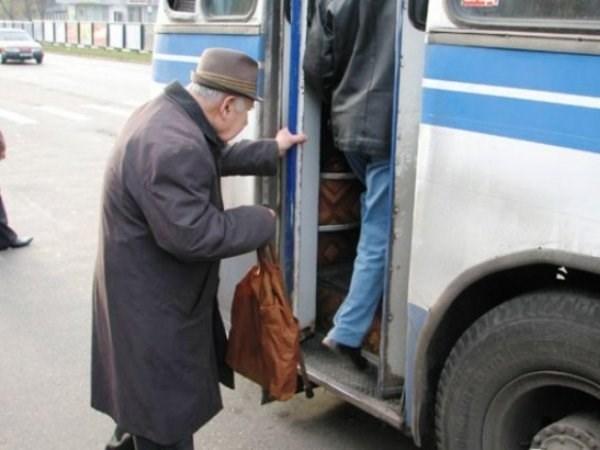 Закарпатець відстоює свої права на пільгове перевезення. Судова тяганина триває четвертий рік