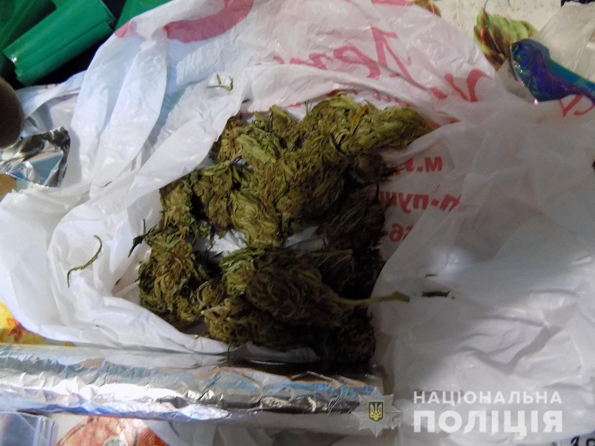В ужгородця вилучили 50 грамів марихуани