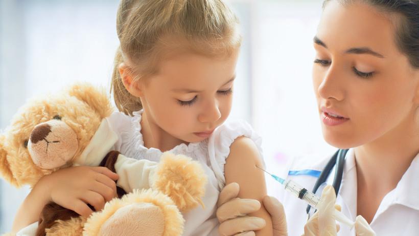 Заборону про відвідування закладів освіти Мукачева невакцинованих дітей відтермінували до 1 квітня